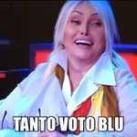 Elisa spegne Loredana e la Oxa così #Amici15 https://t.co/DYfjeMHg6J