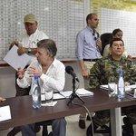 """""""La orden a la fuerza pública es que sigan combatiendo con vigor al ELN"""": @JuanManSantos https://t.co/4vgUtJyO0L https://t.co/JAh8gcb3X5"""