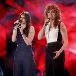 Super duetto per Chiara! Come se la caverà al fianco della meravigliosa @FiorellaMannoia? ❤ #Amici15 https://t.co/g4fcvezMpx