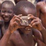 ابتسم فلن يتغير العالم بحزنك ! https://t.co/PTjJZePuJM