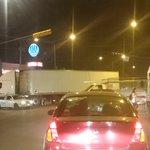 Choque de un trailer y un carro tapando dos carriles de prolongación mariano otero @Trafico_ZMG https://t.co/ei9TmUnguD