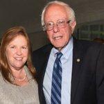 Sanders skips the tuxedo at #WHCD: https://t.co/9YmbrDOjCQ https://t.co/sXwi2udC8x