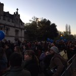 Welcome to #maymorning 2016! People are beginning to gather on Magdalen Bridge. https://t.co/aNGWNLVEY4