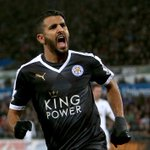 Leicester a ouvert les discussions pour prolonger Riyad Mahrez. Jamie Vardy devrait lui aussi suivre... (The Sun) https://t.co/EglqfQc9zJ