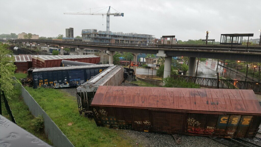 So far -- only one confirmed derailed car is leaking - & it is leaking sodium hydroxide - NO EVACUATIONS. https://t.co/VcEysBOjmy