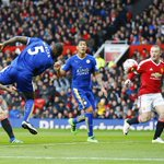 Captain Wes Morgan heads the Foxes level. Its Man Utd 1-1 Leicester on 21 mins #MUNLEI https://t.co/ohtncFqdM1