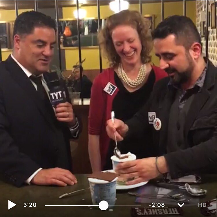 Fun w @cenkuygur @TheYoungTurks @WorkingFamilies at #tyt @HuffingtonPost #WHCD watch party with DIY #berniesyearning https://t.co/kbvtK9rdUn