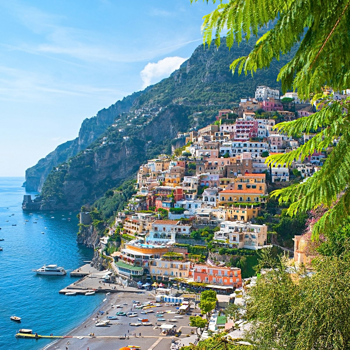 Enjoy last minute savings with special offers on a holiday to Naples with Newmarket Holidays
