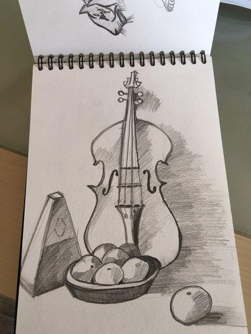Got bored today so i draw https://t.co/DA7kWOPCGM