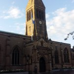 La catedral de Leicester ha izado la bandera del Leicester este fin de semana (vía @lfrayer) https://t.co/3bDE9zdDZP
