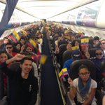 """Rumbo a #Manabí, """"tierra hermosa de mis sueños"""", cargados de alegría y solidaridad ¡Unidos a celebrar el 1 de mayo! https://t.co/t3Tq2uUpGa"""