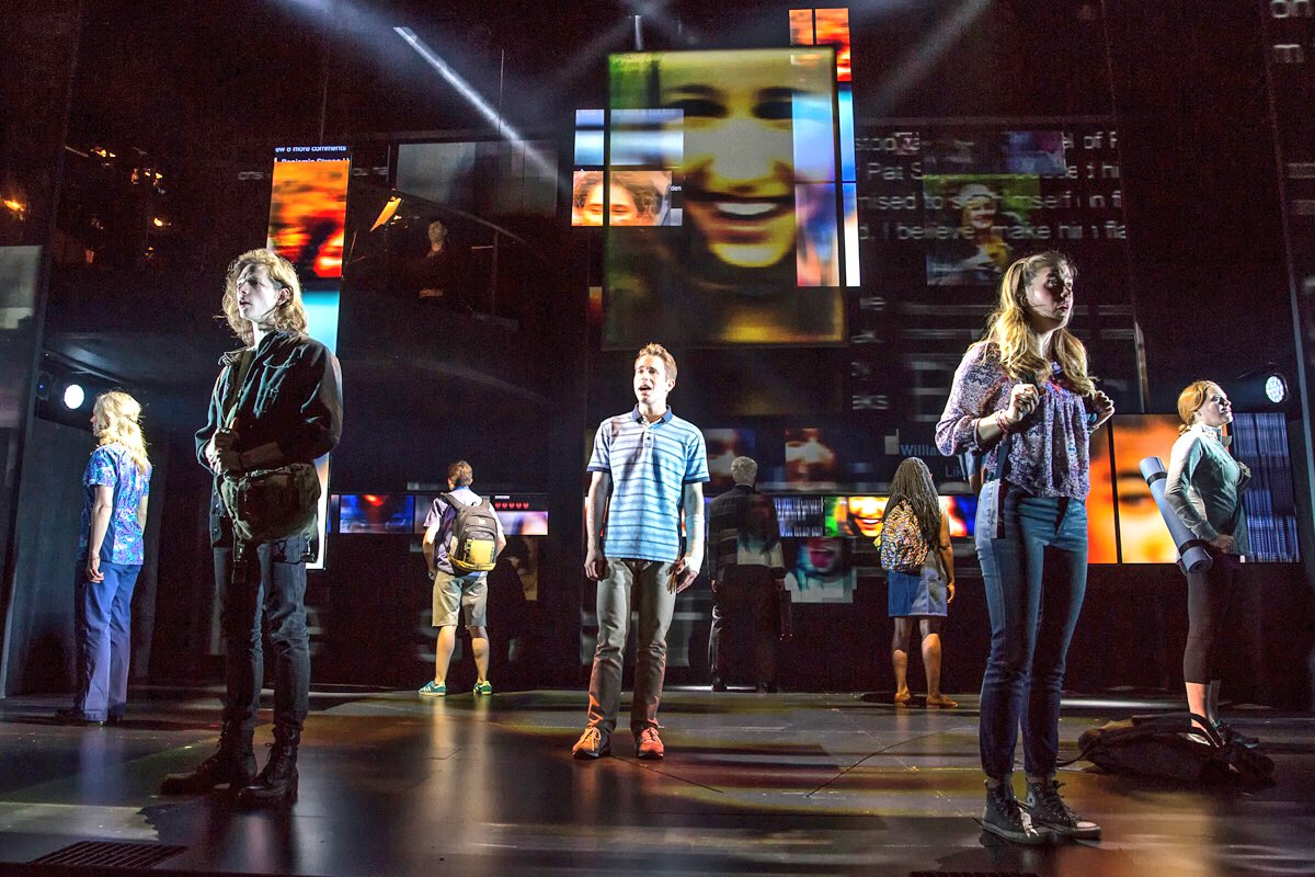 Happy Opening to the cast, creative team, and crew of #DearEvanHansen! https://t.co/0aUokN7WX8