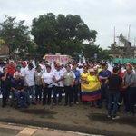Ciudadanía y Autoridades presentes en minga de solidaridad por fallecidos en terremoto 16A. https://t.co/ldFakjsTCp