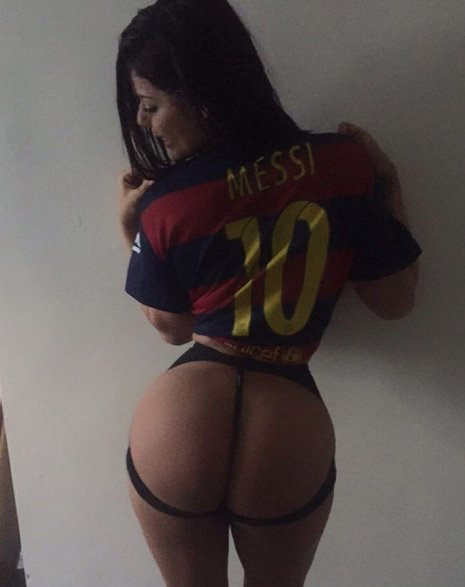 RT @DStarPics: Super sexy @SuzyCortez_ flashes her bum in cut out underwear  https://t.co/B9N7thcq0b https://t.co/E5lw9BiYxT