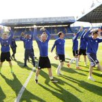 Carvalhals delight at bond between players and Wednesdayites https://t.co/wbN7LtCZn4 #swfc https://t.co/YjY1WBFA42