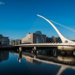 Beautiful blue skies in Dublin City. The Samuel Beckett Bridge and River Liffey #Dublin #Ireland @PictureIreland https://t.co/qWLDzhRGH5