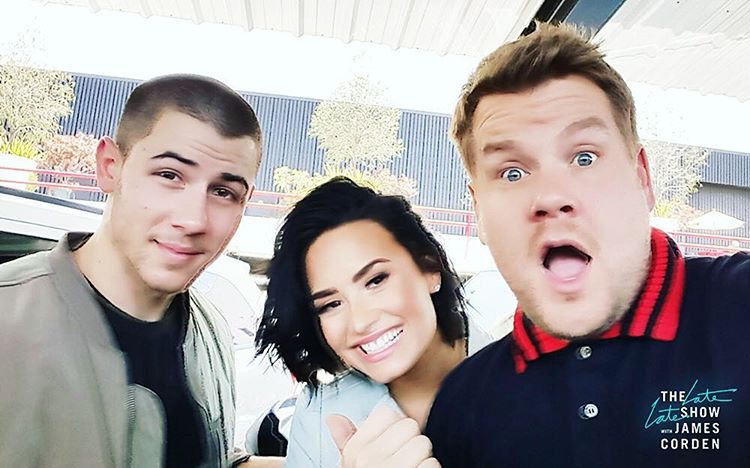 Get in Demi Lovato and Nick Jonas, we're going singing: