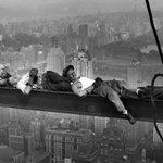 85 лет самому знаменитому небоскребу Нью-Йорка https://t.co/f7oWor3U2w https://t.co/DZRt6d4P3V
