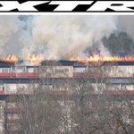 JUST NU: Storbrand rasar i flerfamiljshus med 157 boende – stor räddningsinsats https://t.co/bUBEFLXPno https://t.co/bjgLWFgJuA