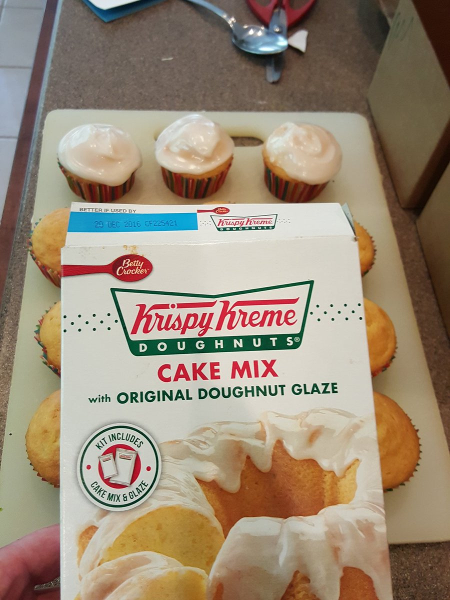 Went with #cupcakes this time @krispykreme! So great. https://t.co/97FPh0uyEq