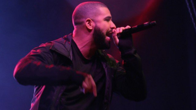 Drake will make a second surprise appearance for Ryerson students at the #6CentConcert https://t.co/nkjIckLlxr https://t.co/MCfamnncgH