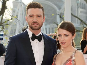 Justin Timberlake and Anna Kendrick joke about British the B(RITISH)-AFTAs