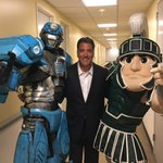 Sparty and MSU contingent in the house at @fs1 @FOXSports @FOXCollegeHoops @bigten @BigTenNetwork https://t.co/GoAGyBWCFk