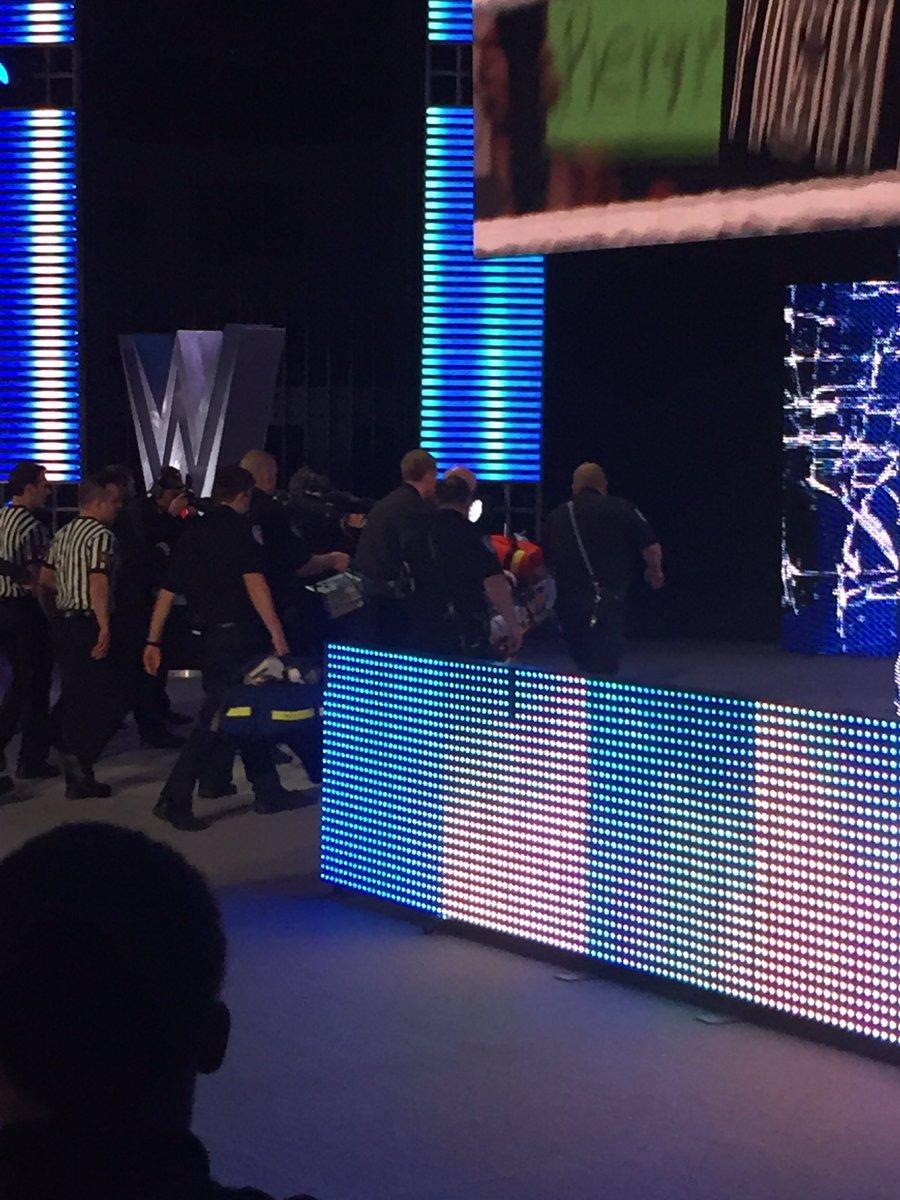 Enzo being removed via stretcher. https://t.co/uwsYA5yyKI