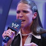 Stephanie wearing her SmackDown GM attire... #WWEPayback https://t.co/ia6DBed3N9
