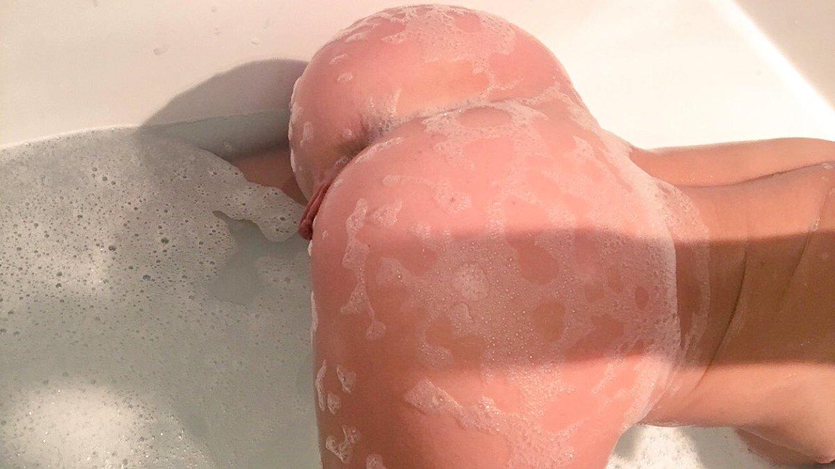 1 pic. Bath time before bed ? b24sgRaAnV