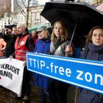 Geheime TTIP-documenten: nog steeds grote meningsverschillen #TTIPLeaks https://t.co/Vqel7VfnML https://t.co/kG7NItBvXE