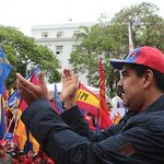 "Maduro: ""Si no cesa la guerra económica hago una revolución en el continente"" https://t.co/G59KzMGhuP https://t.co/9REvw4uP9t"