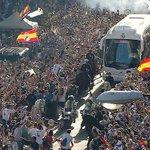 Un estadio, el Bernabéu. Un sentimiento, el madridista. Una afición, vosotros. Un grito, #HalaMadrid. ¡VAMOS! https://t.co/nG7aVm0olT