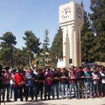 تضامناً مع #حلب طلاب الجامعة الأردنية للتنديد بمحرقة الأسد بحق أهالي حلب #حلب_تحترق https://t.co/Ayi392kxsb