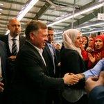 جلالة الملك عبدالله الثاني يزور مصنع الصافي للألبسة في ذيبان بمحافظة مادبا بمناسبة #عيد_العمال #الأردن https://t.co/F8ObCEKlqZ