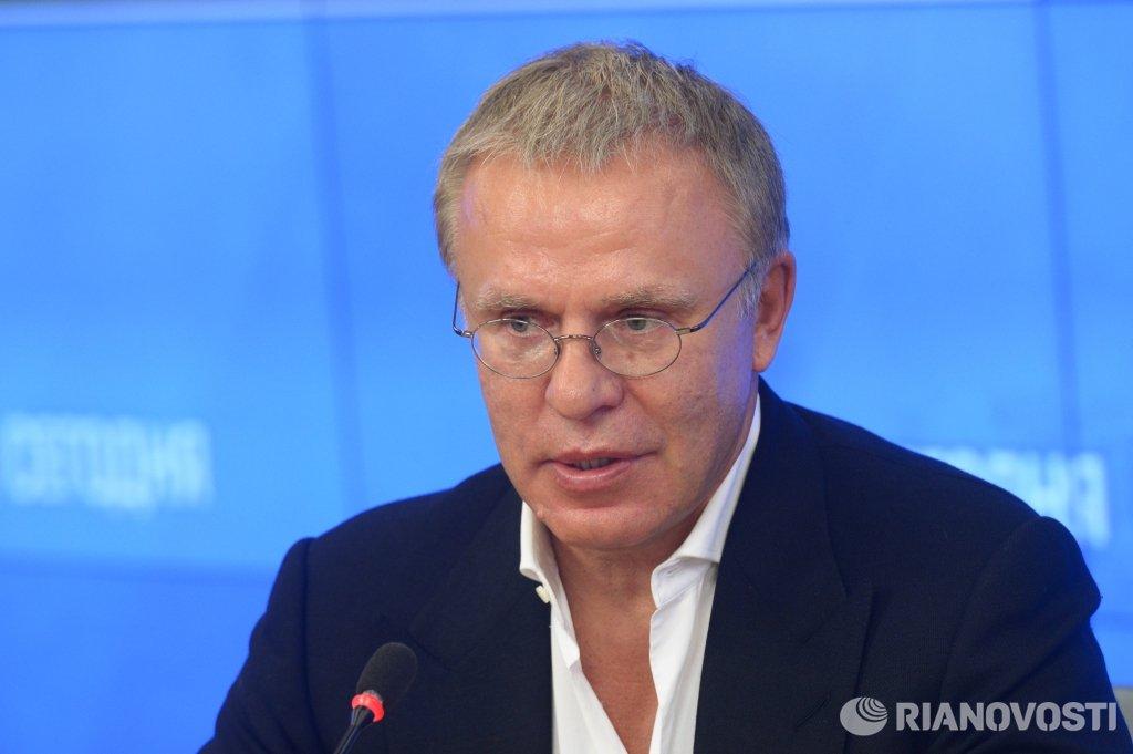 Вячеслав фетисов пластическая операция