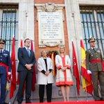 Homenaje a los que dieron su vida por #España. Permanecen en nuestra memoria #2demayo https://t.co/hxj5PtkJ5B