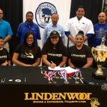 Edinburg Vela wrestler Miranda Melchor(@MirandaEliseM16) signs w/Lindenwood U. in St. Charles, MO. #RGV https://t.co/odhEYXZ3Ws