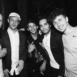 ✿*・ INSTAGRAM | Avicii ha postato questa foto ritraente lui, Louis e qualche amico!   → 02 Maggio 2016. https://t.co/MvuxqaDilW