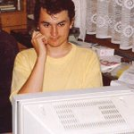 V #rok97 Ivo potkává @ZimaPavel. Docházel po večerech do @seznam_cz starat se o servery. #osudovéSetkání #Seznam20 https://t.co/gT34itOnxZ