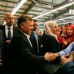 جلالة الملك عبدالله الثاني حفظة الله يزور مصنع الصافي للألبسة في ذيبان بمحافظة مأدبا بمناسبة عيد العمال #الأردن https://t.co/JQA3qIunD7