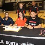 PSJA North Powerlifter Janelle Davila signs with Sam Houston State University in Huntsville, TX. #RGV https://t.co/ygMqhCKLvN