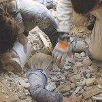 Ini bkn scene macam kita tgk dlm filem. Ini apa yg berlaku di Aleppo, Syria sejak kebelakangan ini. Doakan mereka. https://t.co/YRAE7vgkUF