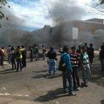 #2May Protestan en UNEFM porque se dañó la comida del comedor universitario de Los Perozo #Coro https://t.co/OZEkp7sIGp