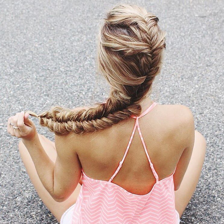 Mondays call for fishtail braids ✌️
