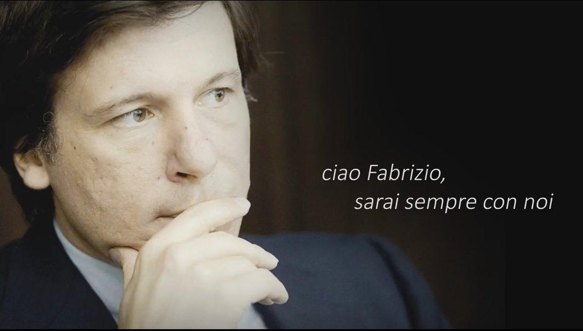 Inizia con una dedica al Vicedirettore @sole24ore @FabrizioForquet il documentario per l'anniversario dei #Sole150 https://t.co/ff8ewyOcp9