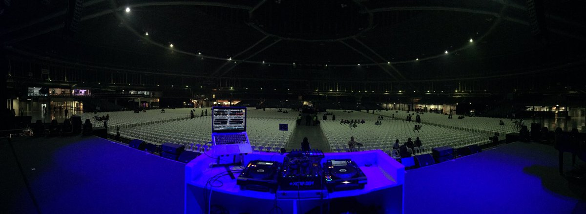 Setup and ready to go! Opening for @MariahCarey @947 @BigConcerts @Ticketprodome @allen_heath @PioneerDJSA https://t.co/r8IEoNUN5E