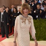 Anna Wintour at the #MetGala in fringe and Julia Roberts #MothersDay wig https://t.co/GbeAjMw7Ry