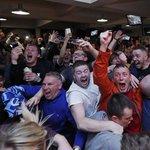 Las caras de felicidad tras esperar 132 años para ser campeones. Qué grande es el fútbol! #Leicester  Photo E. Keogh https://t.co/08rAE0M4ce