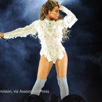 Beyoncé is No. 1 on the album chart. Prince is No. 2, No. 3, No. 4, No. 6 and No. 7 https://t.co/YWz2hQzlPJ https://t.co/8sxP0twXlC